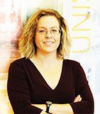 Aileen Clark est une membre du comité directeur du RIF Manitoba, Réseau en Immigration Francophone du Manitoba
